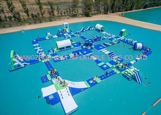 चीन Open Water Inflatable Aqutic Sports Park With 0.9mm PVC Tarpaulin फैक्टरी