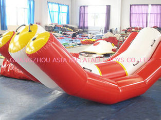 चीन Durable Red And White Water Seesaw Inflatable Water Games For 4 People फैक्टरी