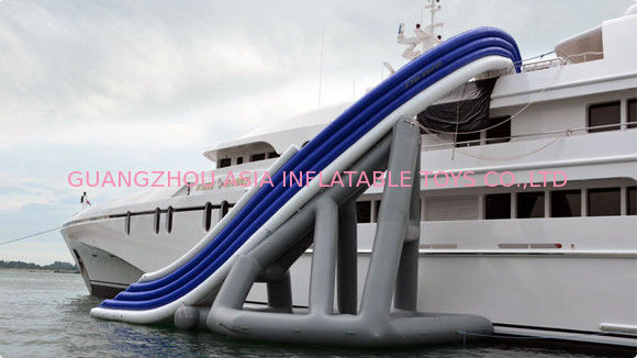 PVC floating Inflatable Water Sports , Curved Yacht Slide Waterproof आपूर्तिकर्ता