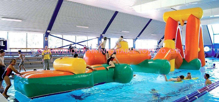Inflatable Aqua Challenging Sports, Inflatable Water Floating Obstacles आपूर्तिकर्ता