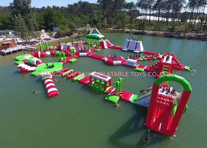 Red and Green Moving Inflatable Aqua Water Park For Sea Or lake आपूर्तिकर्ता