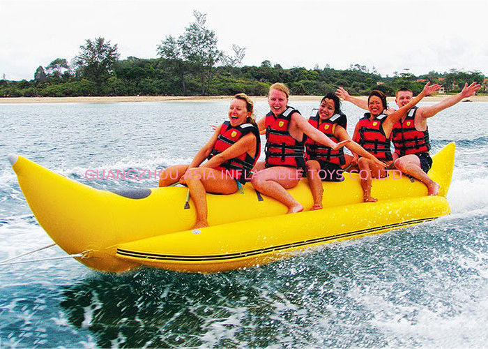 Aqua Park Towable Inflatables , 3 - 5 persong Inflatable Flying Banana Boat आपूर्तिकर्ता