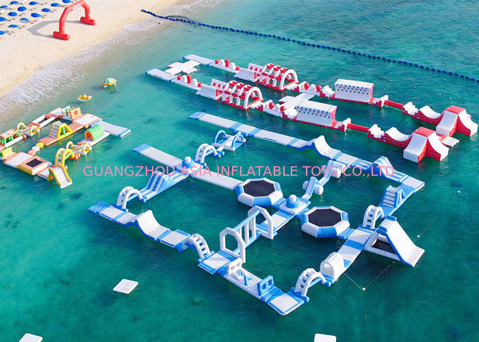 Amazing Outdoor Inflatable Water Parks White / Red / Blue Color