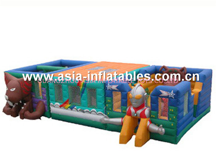 Ultraman Bouncy Castles, Inflatable Fair Ground / Fun City For Toddler Playland आपूर्तिकर्ता