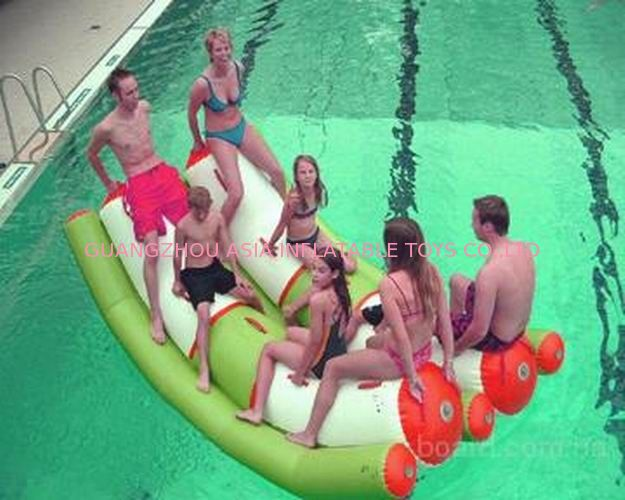Interesting Inflatable Water Sports , Adult Seesaw Pool Float आपूर्तिकर्ता